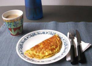 煎蛋和一杯咖啡