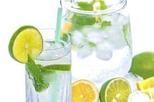 柠檬和薄荷水