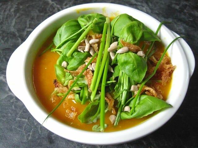 鲜草南瓜奶油汤