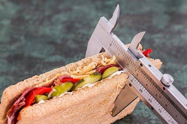 用卡尺测量的三明治