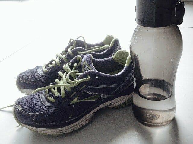 运动鞋,比东