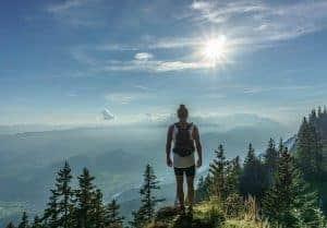 山里的女人看太阳
