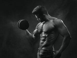 一个肌肉男