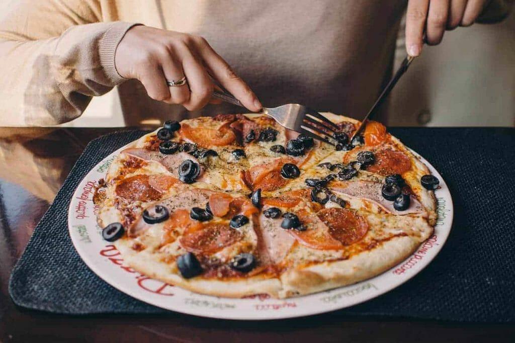 pizza 2619491 1280 1