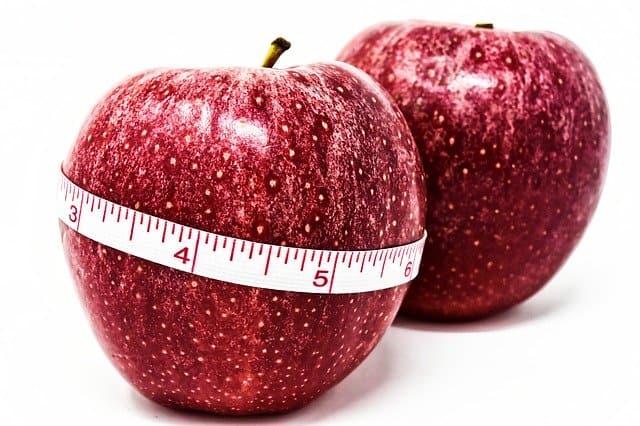 一个苹果绑上一厘米,控制重量