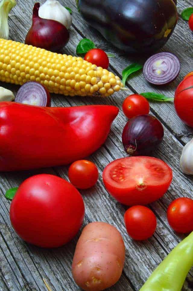 桌上的蔬菜