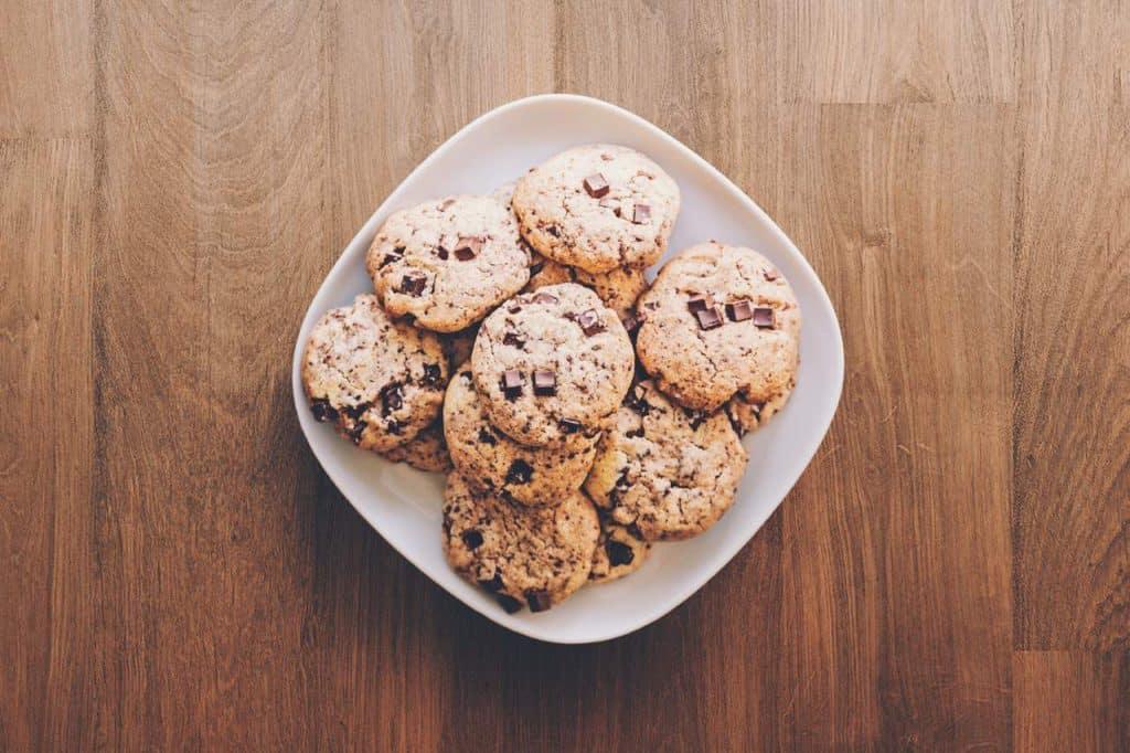 燕麦饼干在碗里