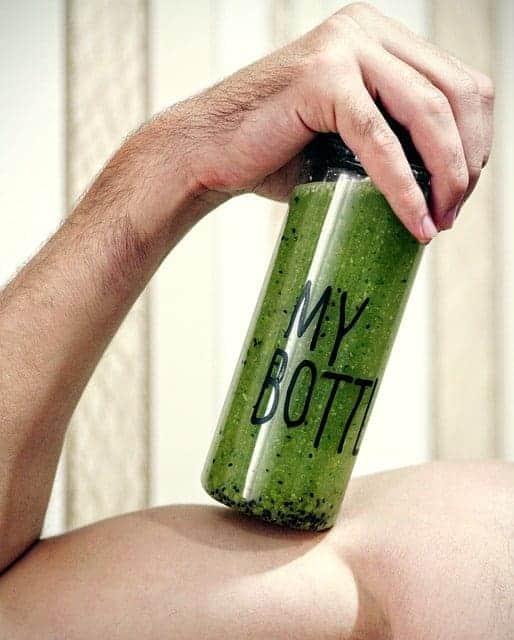 健康绿色鸡尾酒