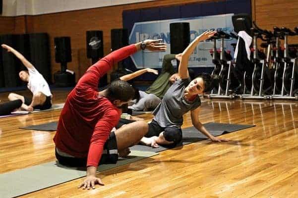 健身房运动