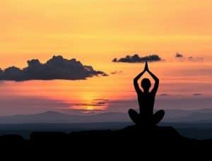 女子练瑜伽