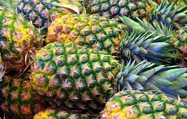 新鲜菠萝果