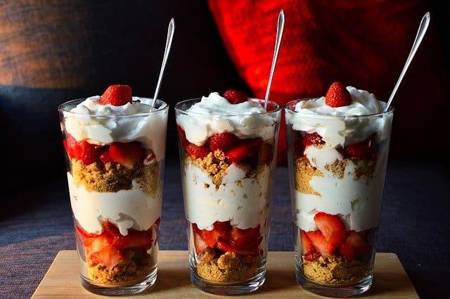 水果和酸奶减肥甜品