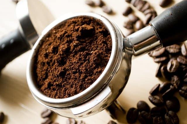 一汤匙咖啡粉